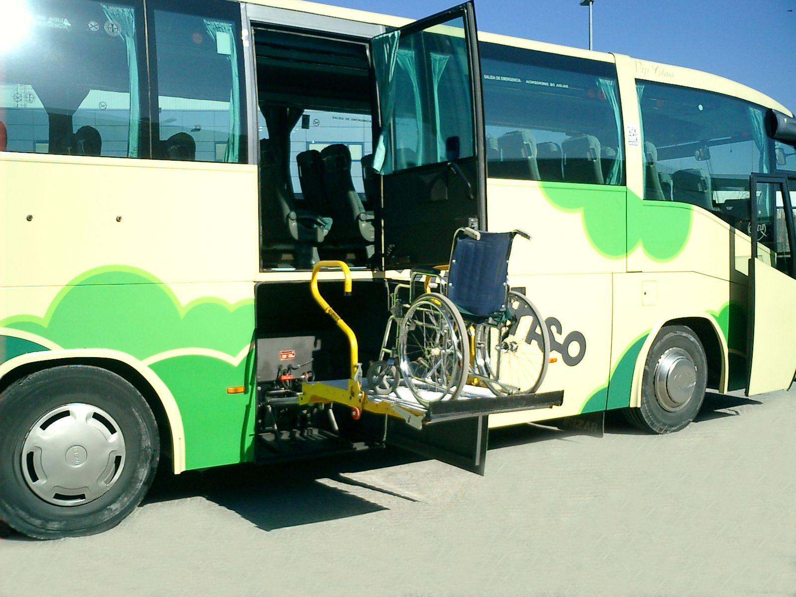 autocares personas movilidad reducida